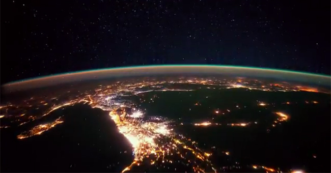Insanely beautiful video from the board of International Space Station