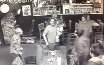 Man Starts Bar Fight While Holding 4-Year-Old Daughter (Video)
