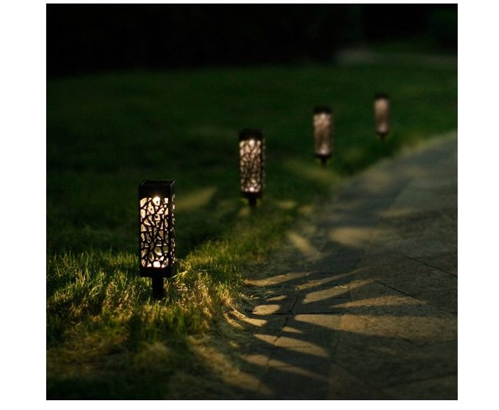 LightStan Solar LED Plastic Pathway Lights