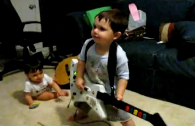 2 year old *rock artist* conquer internet by his inspired performance