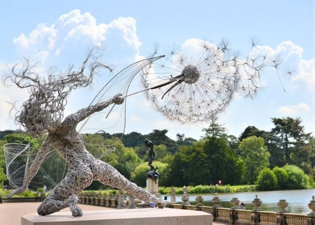 You have to see these wire sculptures — they're absolutely astonishing!